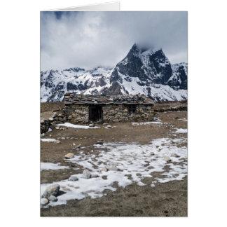 Snowy山(ヒマラヤ山脈)の石造りの農場の家 カード