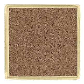 Snugglyのコーヒーブラウンのスエードの質の一見 ゴールド ラペルピン