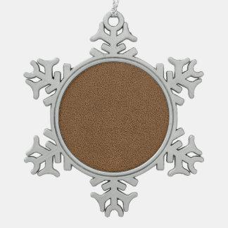 Snugglyのコーヒーブラウンのスエードの質の一見 スノーフレークピューターオーナメント