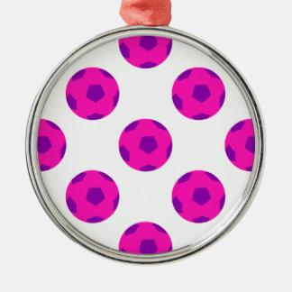 Soccerballピンクおよび紫色のパターン メタルオーナメント
