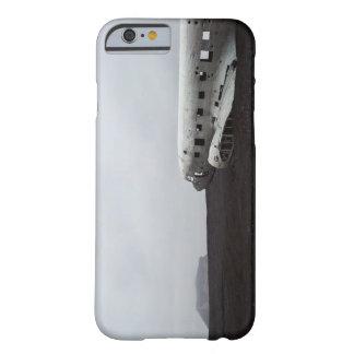 SólheimasandurのiPhone6ケースの衝突された飛行機 iPhone 6 ベアリーゼアケース