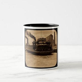 SOOの鉄道フェリーヴィンテージの幻灯のセピア色 ツートーンマグカップ