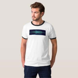 Soundwaveの巨大なティー(人) Tシャツ