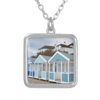 Southwoldのビーチ小屋 シルバープレートネックレス