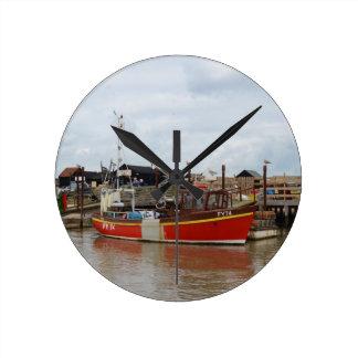 Southwoldの漁船のアクエリアス ラウンド壁時計