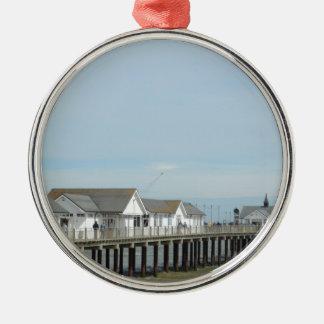 Southwold桟橋のサフォーク シルバーカラー丸型オーナメント