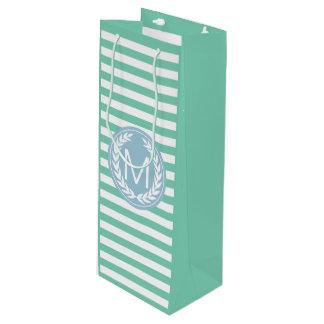 Spearmint及び白のストライプな淡いブルーの月桂樹のリース ワインギフトバッグ