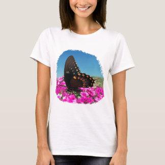Spicebushのアゲハチョウの蝶 Tシャツ