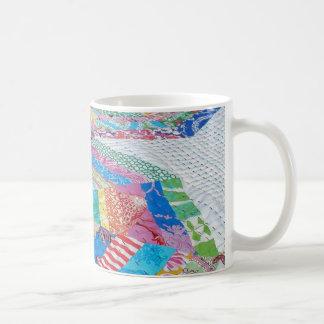 Spiderwebのキルトのマグ コーヒーマグカップ