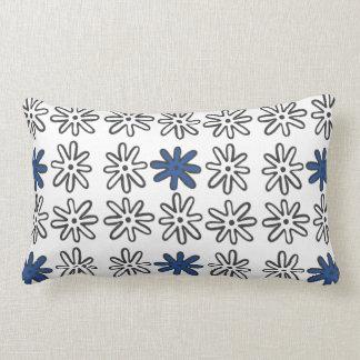 Splatsの青および白い枕 ランバークッション