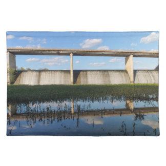 springfield湖のミズーリのダム ランチョンマット