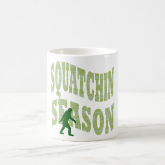 Squatchinの季節 コーヒーマグカップ