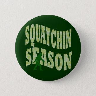 Squatchinの季節 5.7cm 丸型バッジ