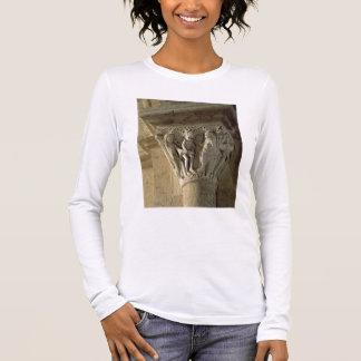 Stベネディクト実行aを描写する柱頭 長袖Tシャツ