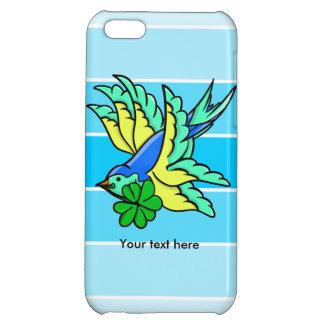 St.の水田の日の幸運なシャムロックを飛ばしているつばめ iPhone5Cケース