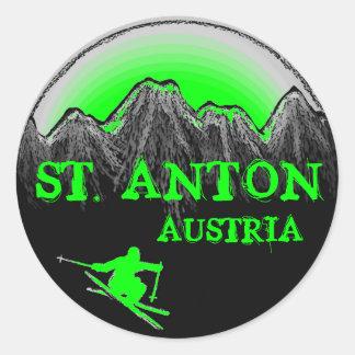 St.アントンオーストリアの緑のスキーヤーのステッカー ラウンドシール