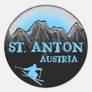 St.アントンオーストリアの青いスキーヤーのステッカー ラウンドシール