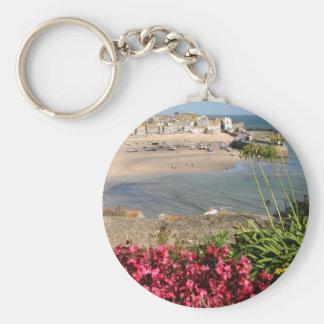 St Ives港のピンクによってはキーホルダーが開花します キーホルダー