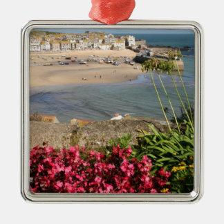 St Ives港のピンクの花 メタルオーナメント
