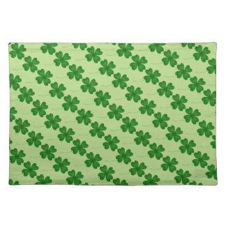 St patricks dayの緑のシャムロック ランチョンマット