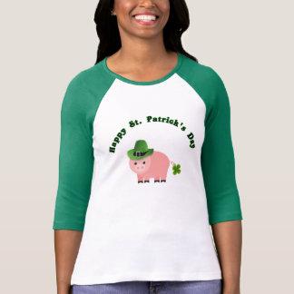 St patricks dayの豚のようなTシャツのシャムロック Tシャツ