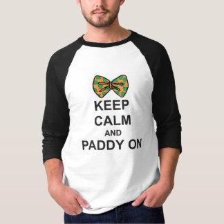 St patricks dayのTシャツは弓の平静そして水田を保ちます Tシャツ