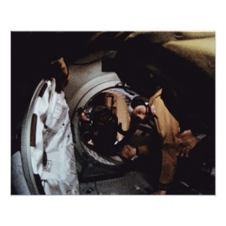Stafford宇宙飛行士は宇宙飛行士に挨拶しますLeonov ポスター