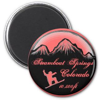 Steamboat Springsコロラド州のピンクのスノーボードの磁石 マグネット