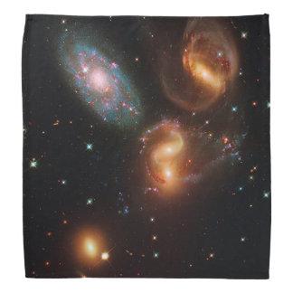 Stephansのクインテットの深宇宙の星の銀河系の集り バンダナ