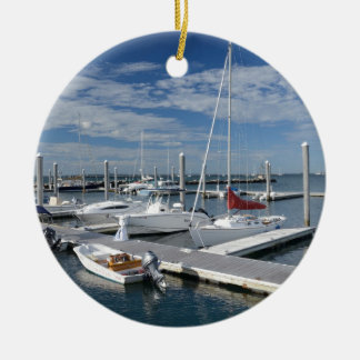 Stonington、コネチカットのマリーナのボート セラミックオーナメント