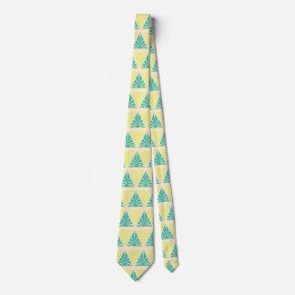 storemanによる緑の三角形パターン ネクタイ