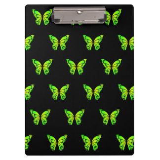storemanによる緑のButterflysそして黒い背景 クリップボード