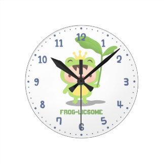 Story Boy Nursery Clockかわいいカエルの王子 ラウンド壁時計