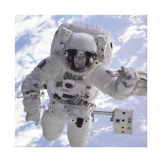 STS-69の間の宇宙のミハエルGernhardt宇宙飛行士 キャンバスプリント