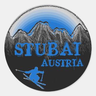 Stubaiオーストリアの青いスキーヤーのステッカー ラウンドシール