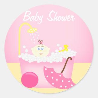 Sudsy浴槽のピンクのベビーシャワーのステッカー ラウンドシール