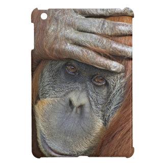 Sumatranの捕虜のメスのオランウータン iPad Mini Case