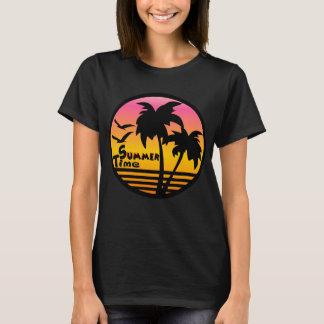 sumerのTシャツ、ビーチ、日没のビーチのパーティー Tシャツ