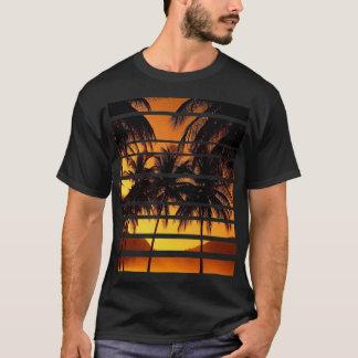 sumerのTシャツ、ビーチ Tシャツ