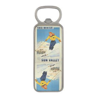 Sun Valley、アイダホのヴィンテージ旅行栓抜き マグネット栓抜き