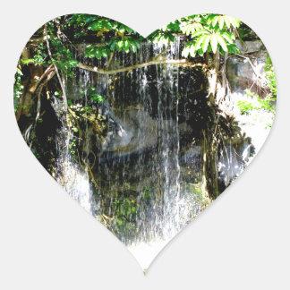 Sunreflectedの滝 ハートシール