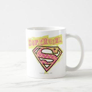 Supergirlのグランジなロゴのピンク コーヒーマグカップ