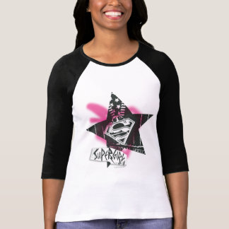 Supergirlのピンクのスプレー式塗料の星 Tシャツ