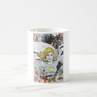 Supergirlの喜劇的なケーパー3 コーヒーマグカップ