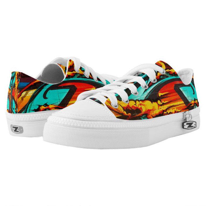 Low-top Graffiti Shoes