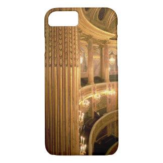 tの方に見るオペラハウスの内部の眺め iPhone 8/7ケース