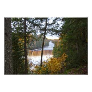 Tahquemenonの上部の滝、秋、ミシガン州 フォトプリント