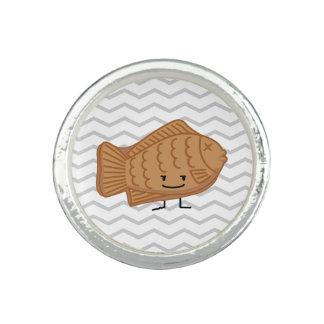 Taiyakiの日本のな魚型のケーキのフェスティバルの食糧 リング