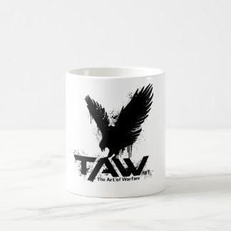 TAWのタカのマグ-白 コーヒーマグカップ