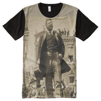 Teddy Rooseveltは1905年のBullのアメリカヘラジカを混雑させるために話します オールオーバープリントT シャツ